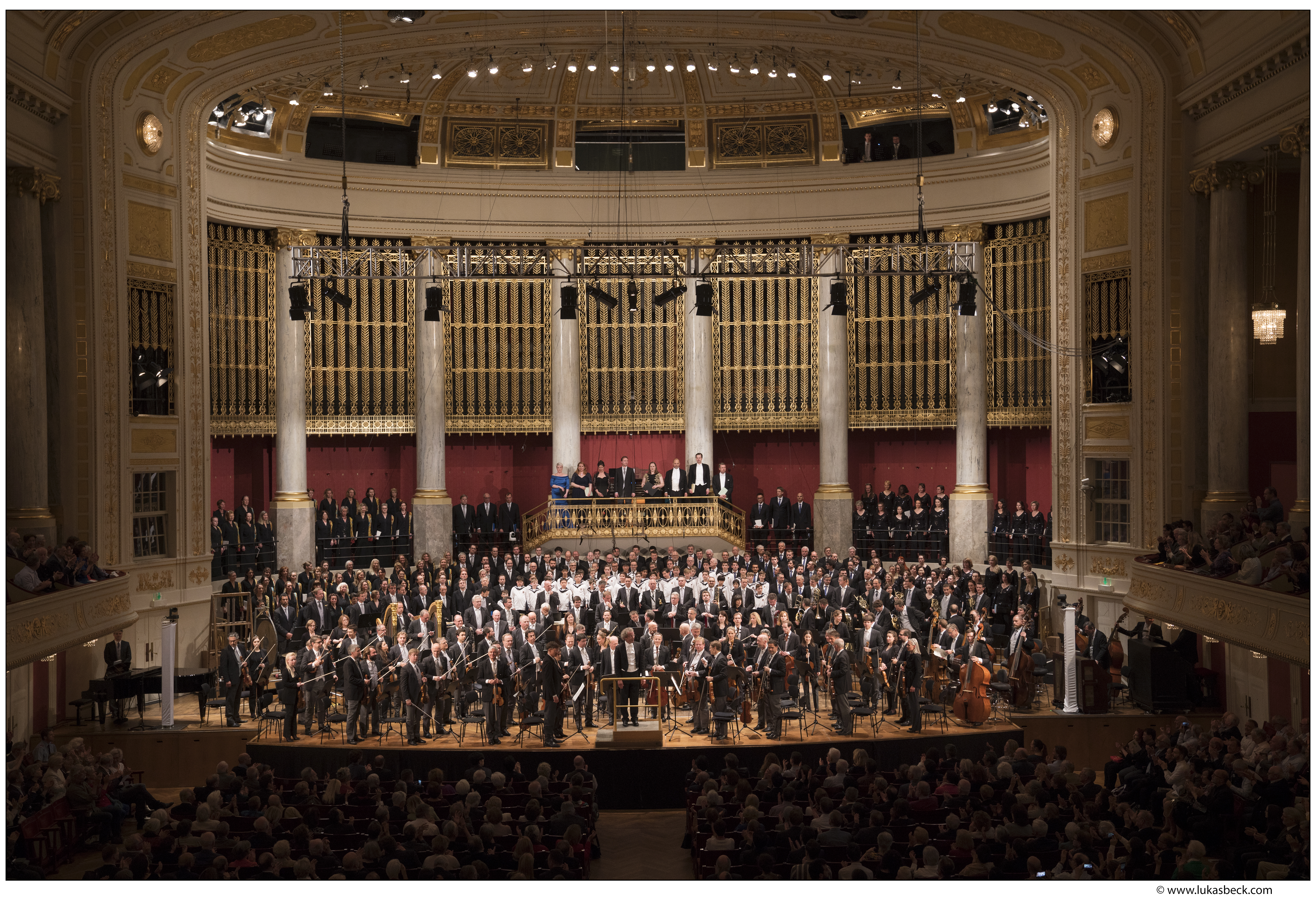 Franz Welser-Möst and the Vienna Philharmonic at the Wiener Konzerthaus conducting Mahler 8