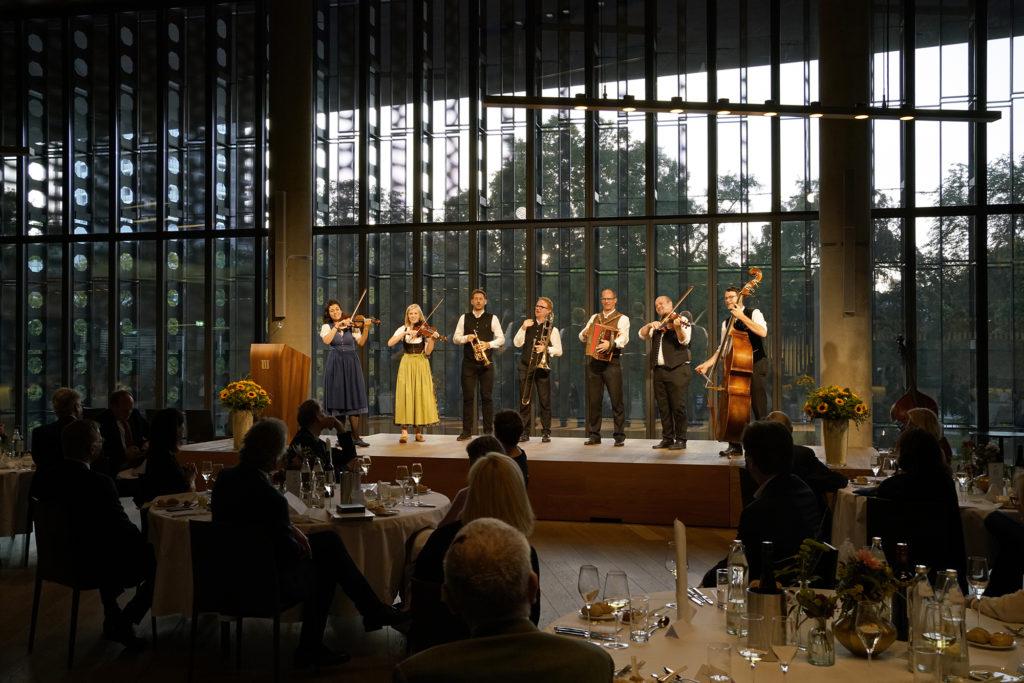 Ehrung von Franz Welser-Möst durch Landeshauptmann Thomas Stelzer im Linzer Musiktheater